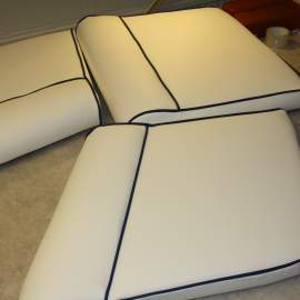 Vinyl boatseats with contrasting piping